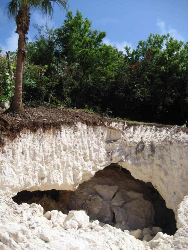 Baygrape Cave 001